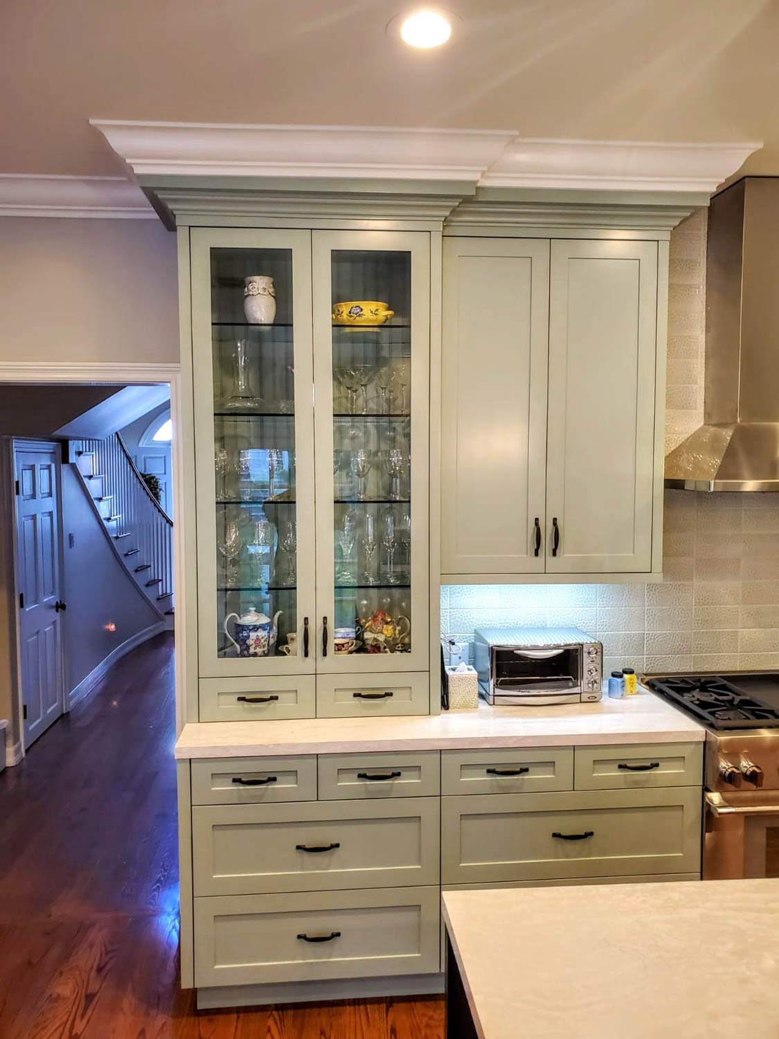 Fitucci Custom Cabinets - Los Angeles - frontal view of custom kitchen cabinet